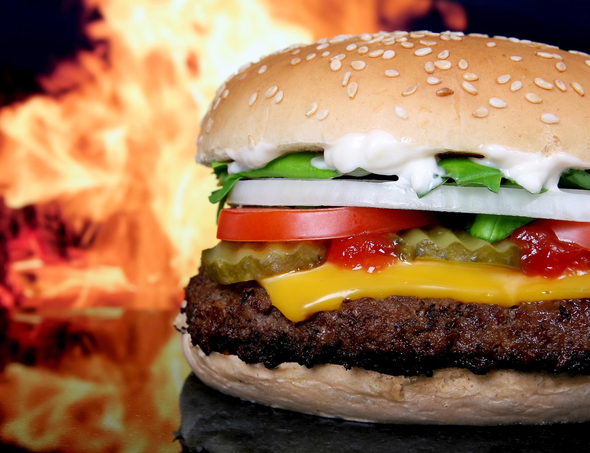 Neuromarketing: iemand salade laten verkiezen boven een cheeseburger